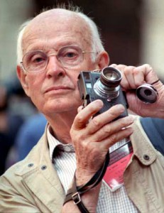 Henri Cartier-Bresson, widely regarded as one of the great photographers of the 20th century, has died aged 95, LCI television reported on August 4, 2004. The publicity-shy French photographer was a founding member of the Magnum picture agency in 1947. Cartier-Bresson is pictured in this file picture from September 1989. REUTERS/Charles Platiau